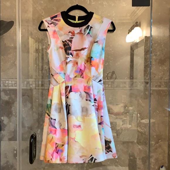 Ted Baker London Dresses & Skirts - Ted Baker floral dress